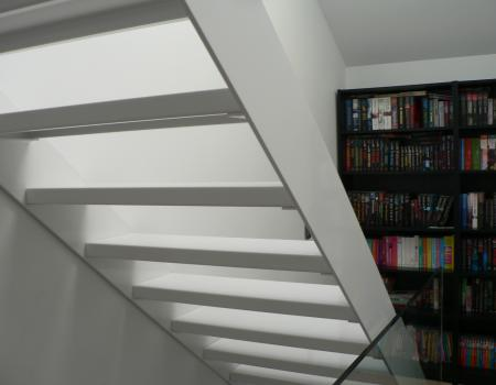 Moderne witte trap