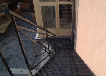 Reling trap, trapleuning cottage traditioneel met kruisen met diagonalen