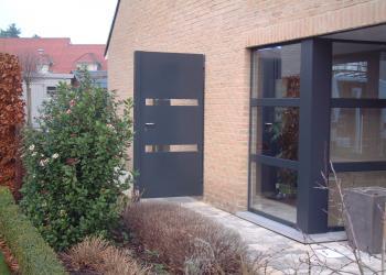 Gesloten poortje, tuinpoort, met platen, semi-gesloten