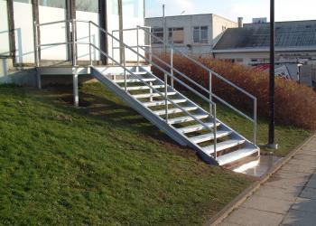 Borstwering, reling trap, eenvoudig in gegalvaniseerd staal