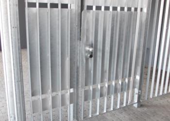 Afsluiting in gegalvaniseerd staal, half gesloten