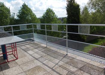 Veilige balustrade met strekmetaal, gegalvaniseerd