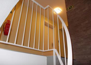 Trapleuning appartementsgebouw : veilig
