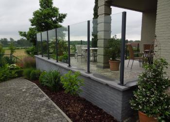 Terrasscherm in glas