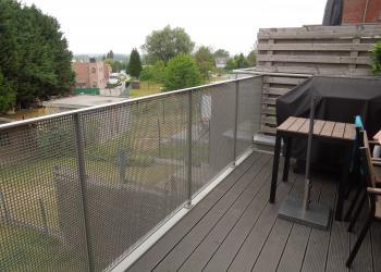 Gemetalliseerde en gepoederlakte balustrade met perfoplaat