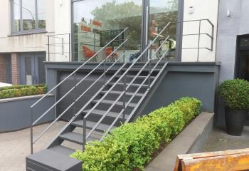 gemetalliseerde en gepoederlakte trap model Ierland