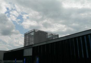 Afsluiting in vaste panelen met looproostervulling